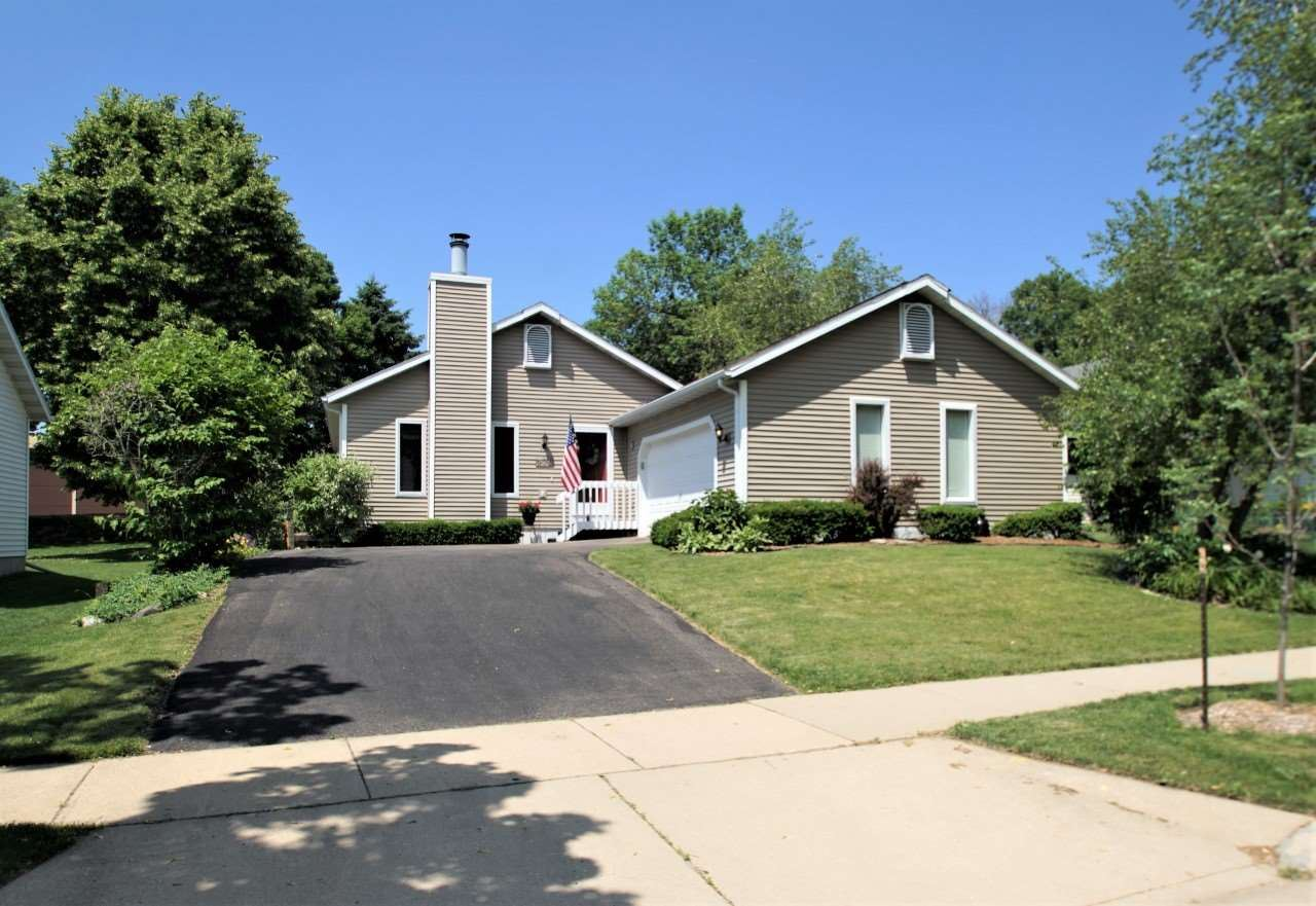 7930 W Oakbrook Cir, Madison, WI 53717 - #: 1886246