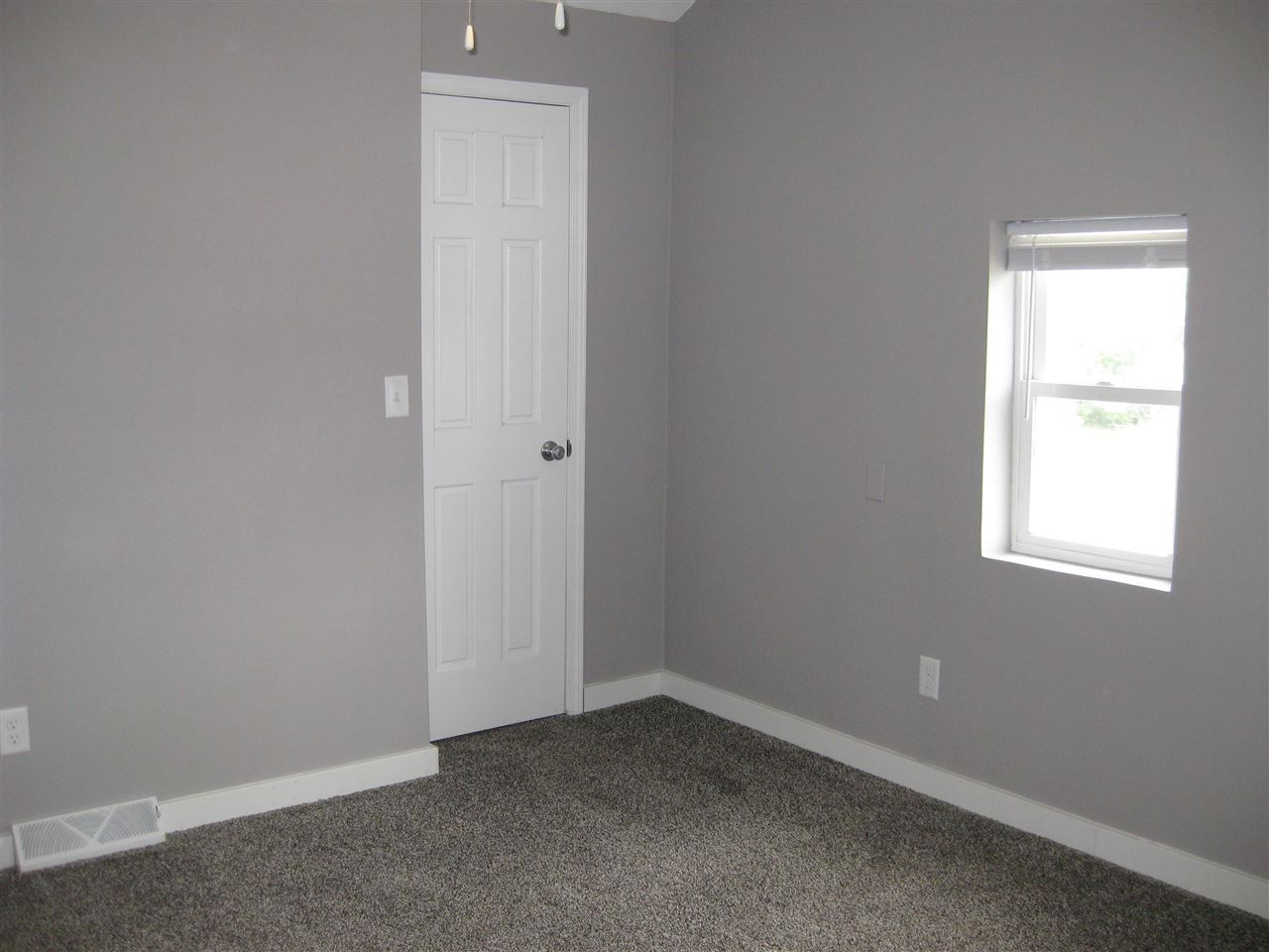 f_1913247_01 Real Estate in 53534 zip code