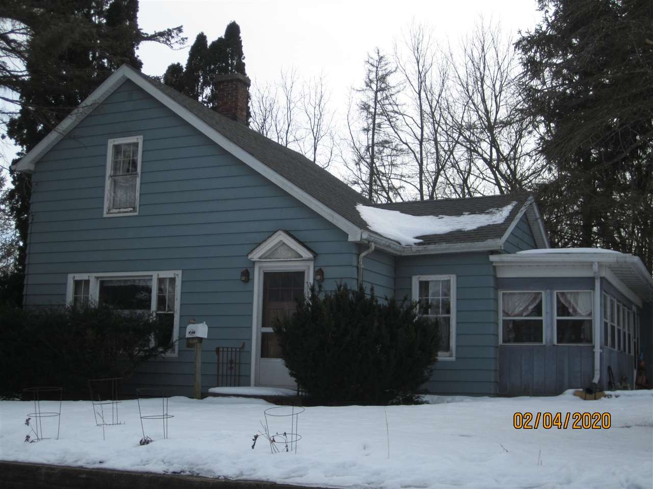 303 E HIGH ST, Edgerton, WI 53534 - #: 1876249