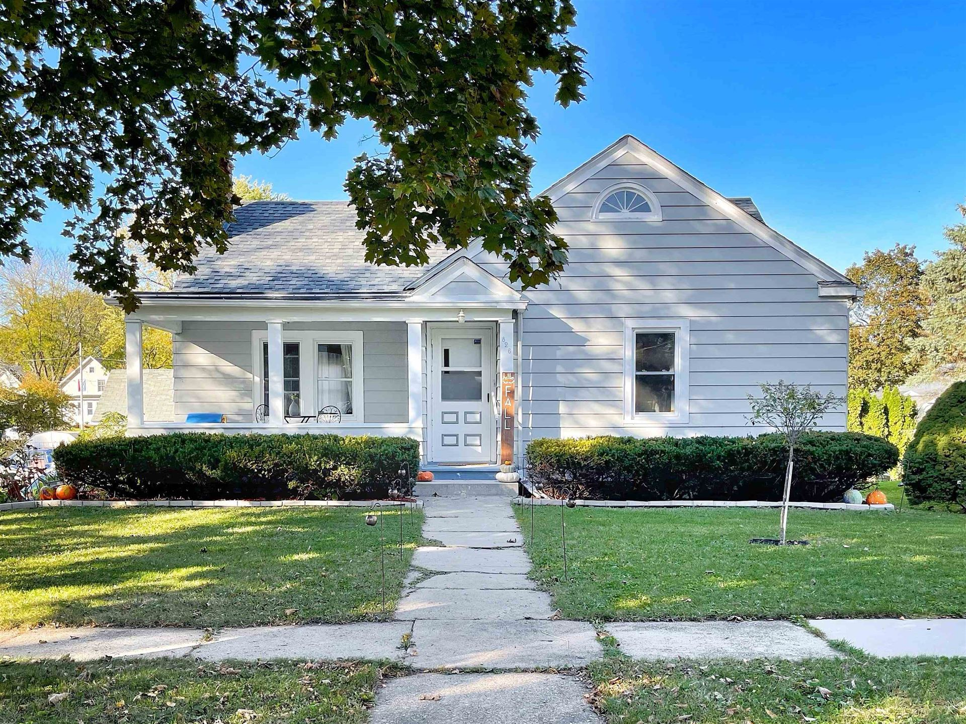 826 Dempster St, Fort Atkinson, WI 53538 - #: 1922250