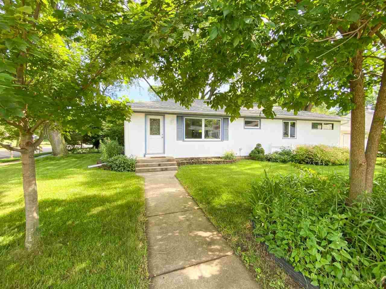 401 N Rosa Rd, Madison, WI 53705 - #: 1886252