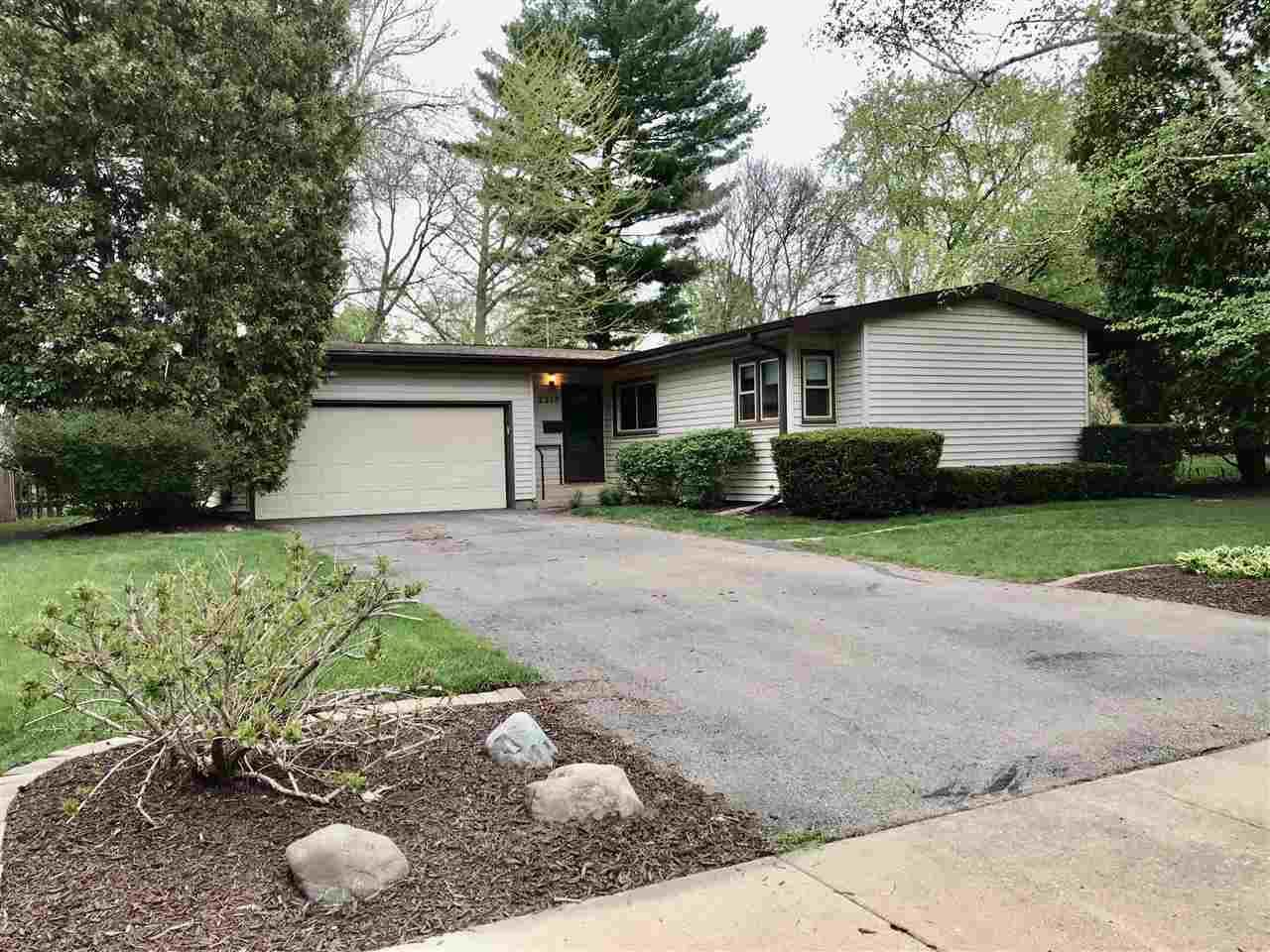 2213 Tanager Tr, Madison, WI 53711 - #: 1909254