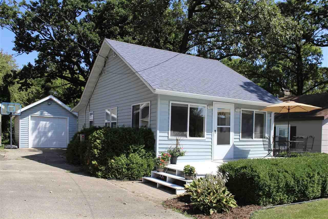 f_1890260 Real Estate in 53534 zip code