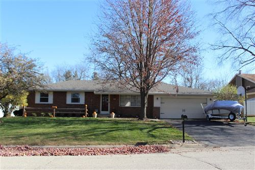 Photo of 902 Somerset Dr, Janesville, WI 53546 (MLS # 372261)