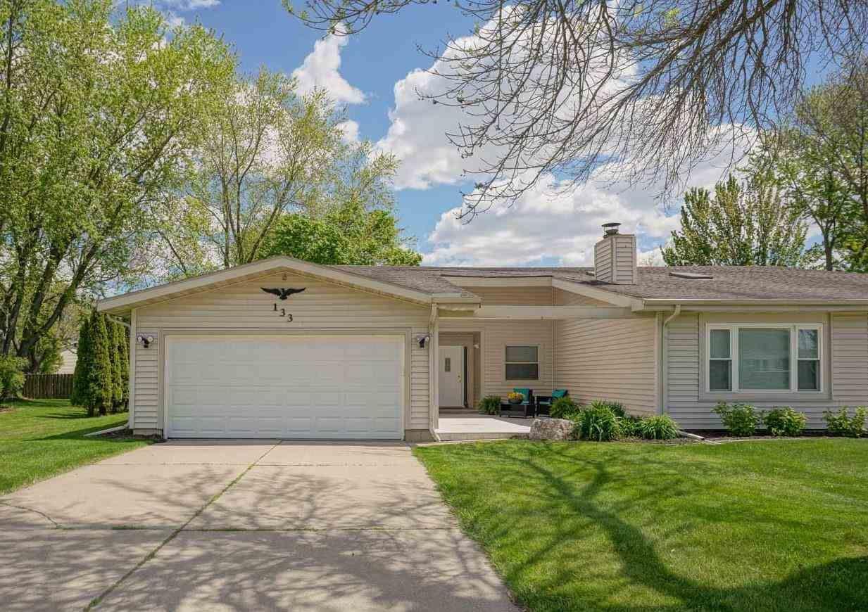 133 N Thompson Rd, Sun Prairie, WI 53590-1767 - #: 1907262