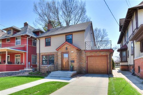 Photo of 1039 Spaight St, Madison, WI 53703 (MLS # 1907264)