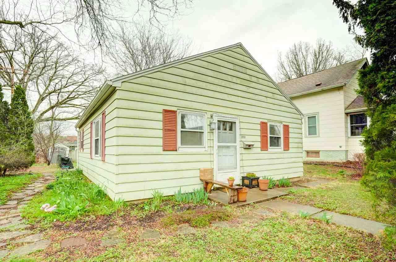 2858 Barlow St, Madison, WI 53705 - #: 1906267