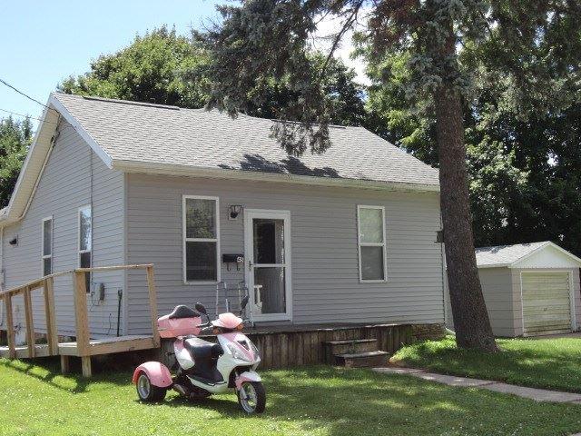 45 E Dewey, Platteville, WI 53818 - #: 1890269