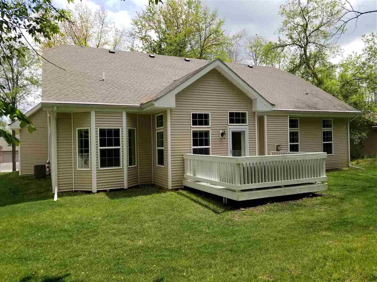 f_1909271_01 Real Estate in 53534 zip code