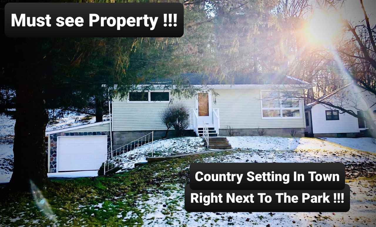 725 Valley View Dr, Richland Center, WI 53581 - #: 1878272