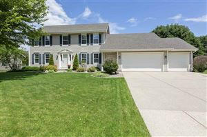 Photo of 5850 Scarlet Dr, Fitchburg, WI 53711 (MLS # 1861273)