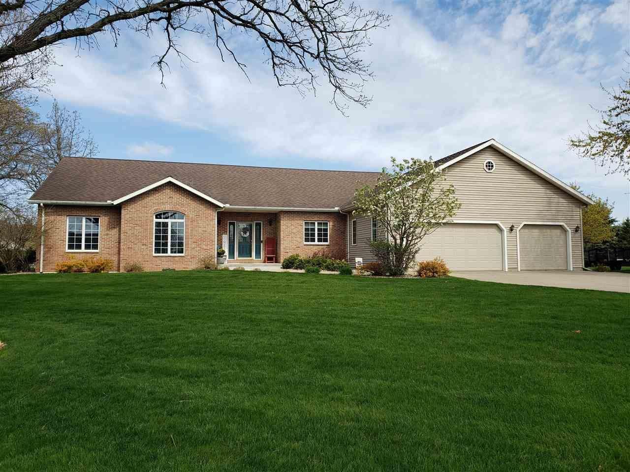 W8348 Bedrock Rd, Portage, WI 53901 - #: 1908273