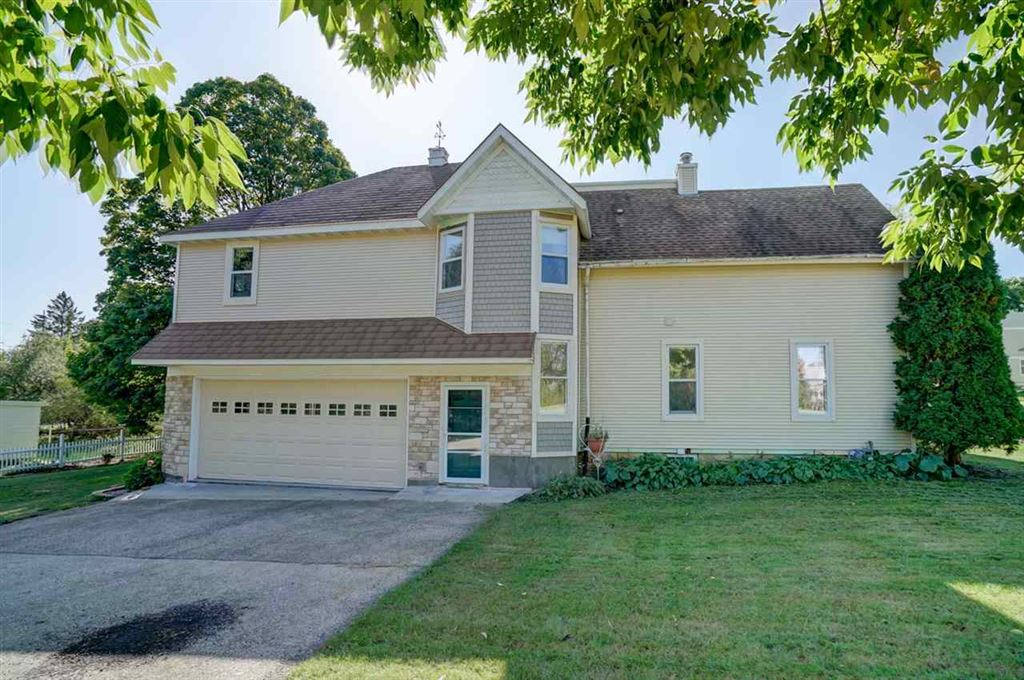 201 S 6th St, Mount Horeb, WI 53572 - MLS#: 1870274