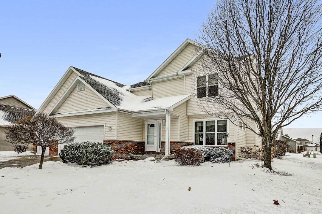 724 Valley View Dr, Stoughton, WI 53589 - #: 1874274