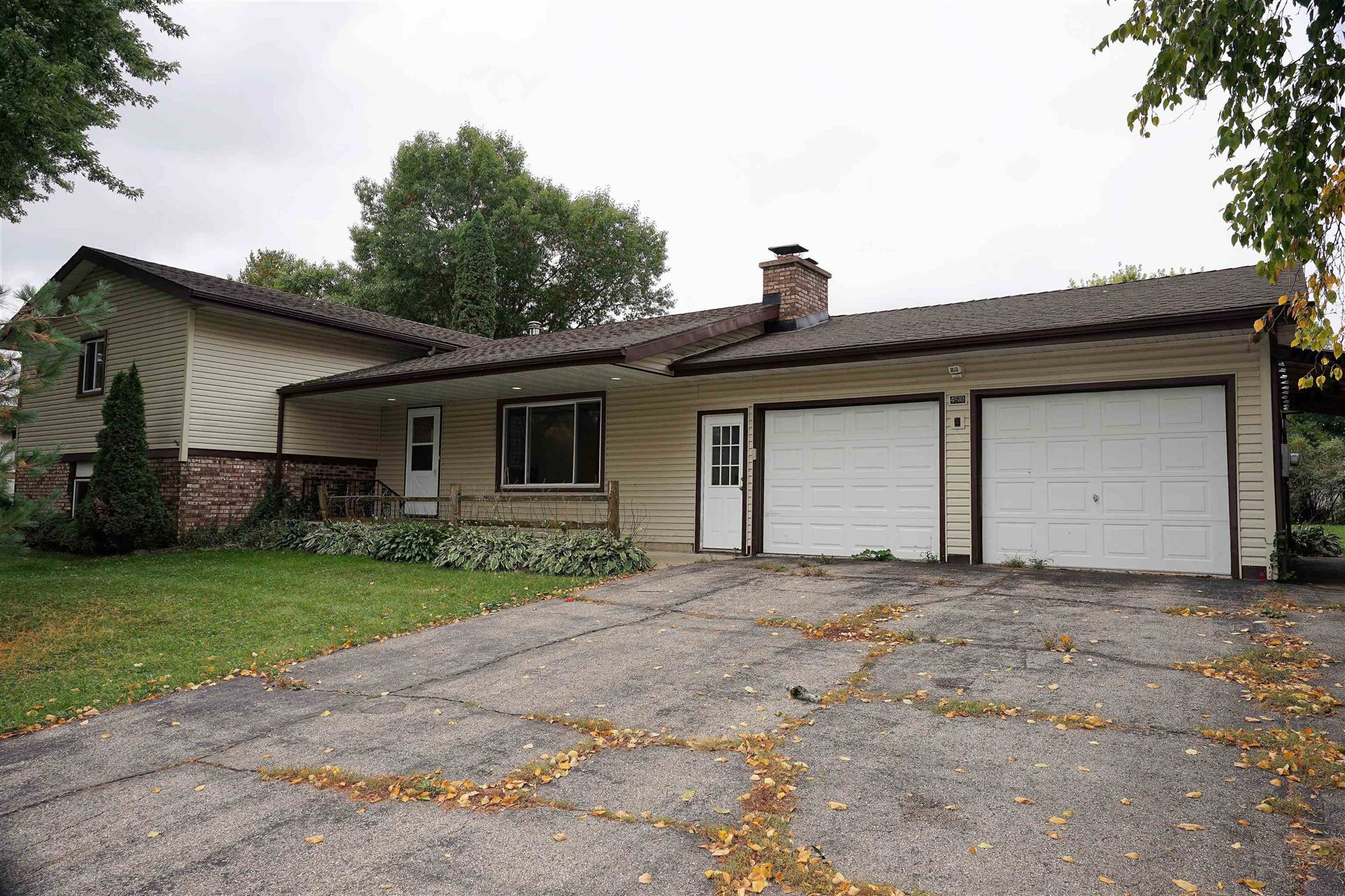 Photo for 4639 Meadowlark St, Cottage Grove, WI 53527 (MLS # 1921276)