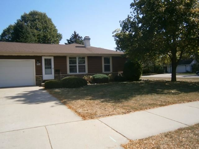 1104 N Wuthering Hills Dr, Janesville, WI 53546 - #: 1921277