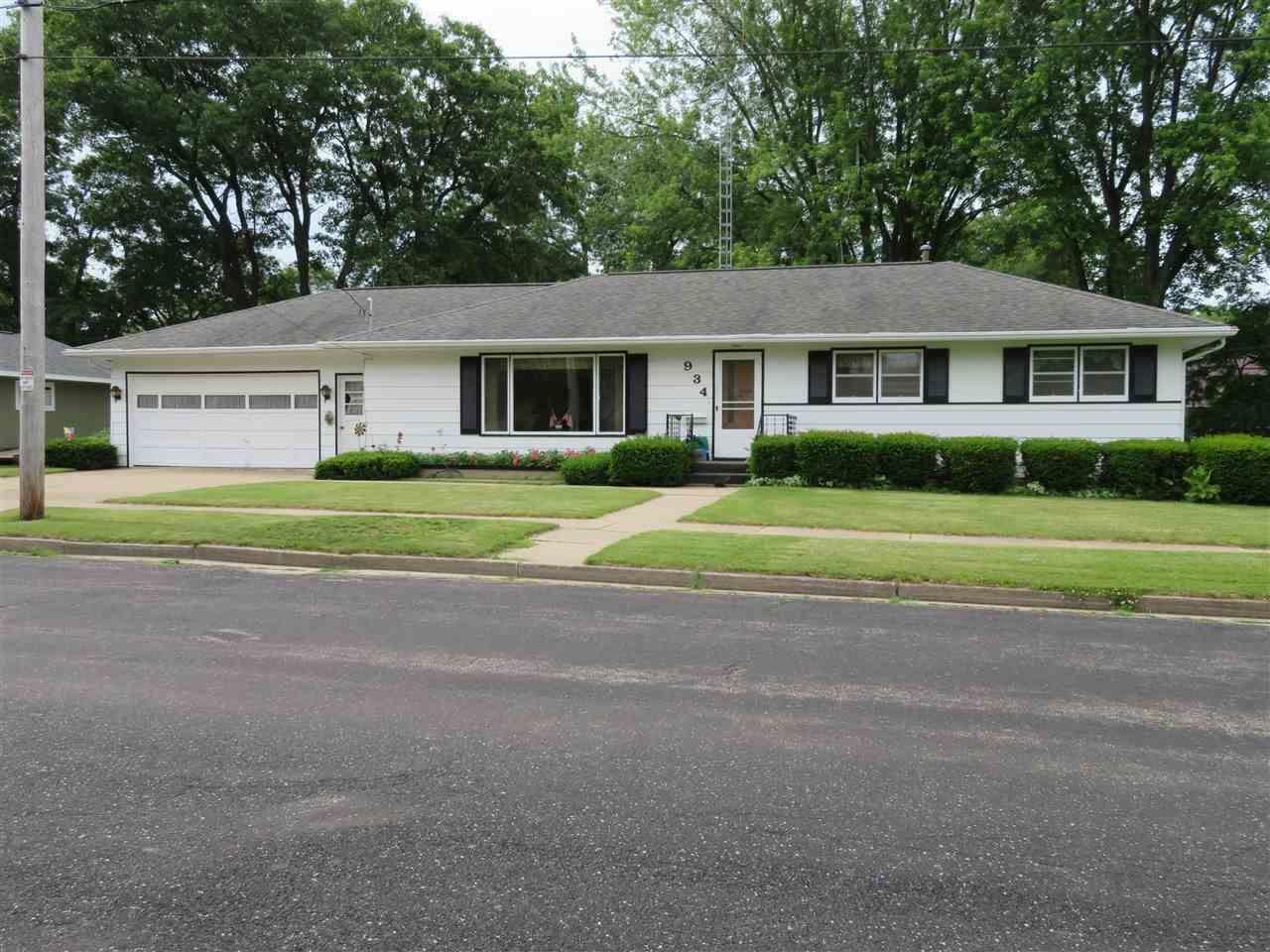 934 Seymour St, Reedsburg, WI 53959 - #: 1887278