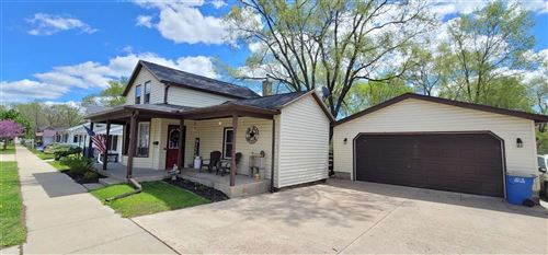 Photo of 412 E Cook St, Portage, WI 53901 (MLS # 1908287)