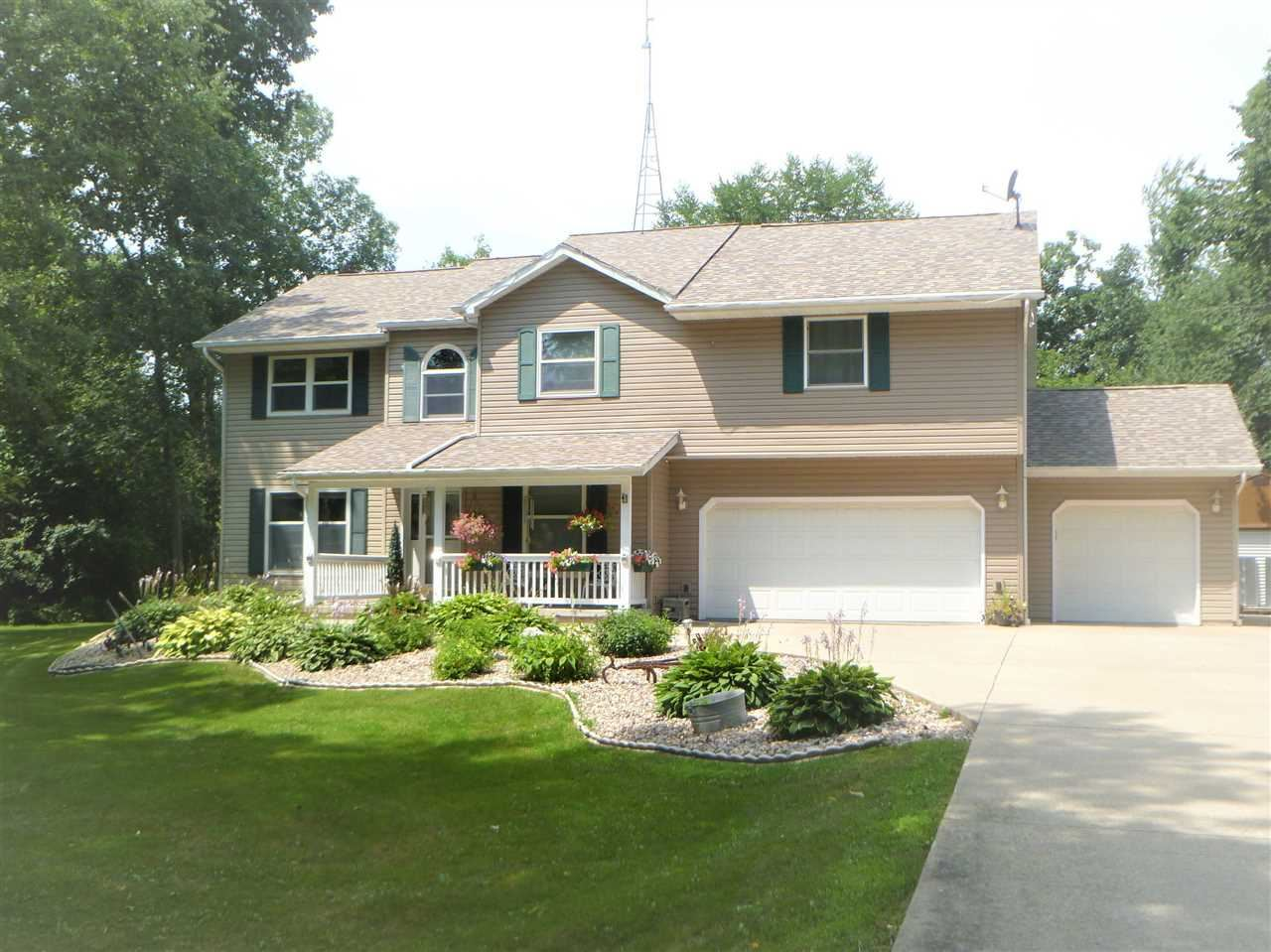 N3230 Hickory Dr, Waupun, WI 53963 - #: 1875295