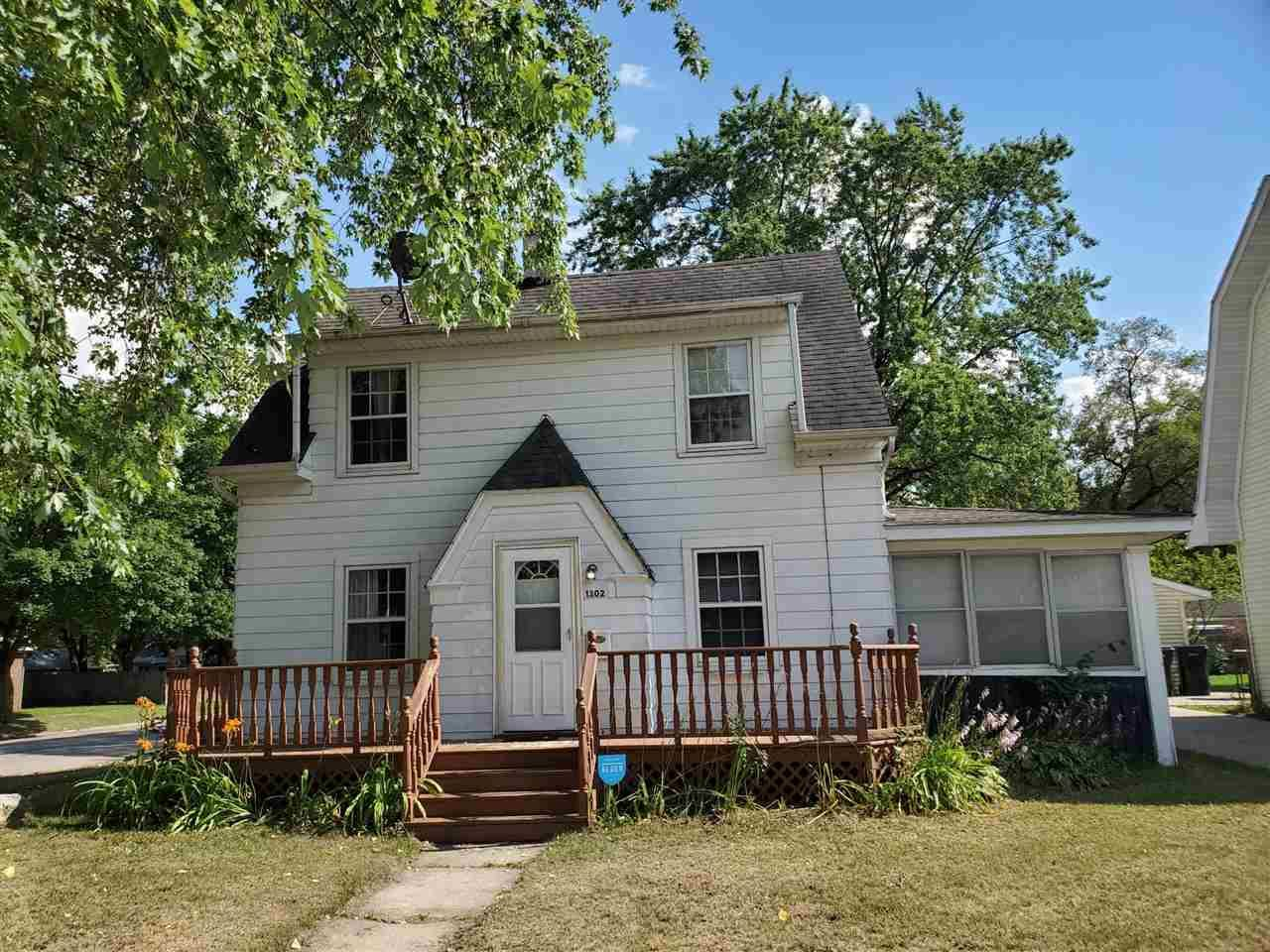 1302 St Lawrence Ave, Beloit, WI 53511 - #: 1889295