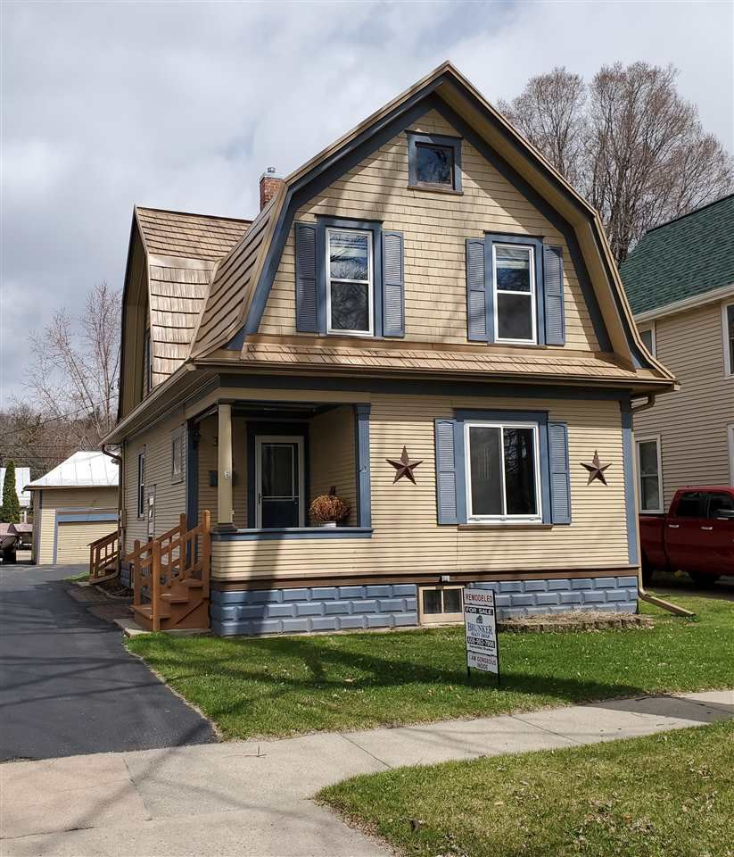 326 6th Ave, Baraboo, WI 53913 - #: 1872297
