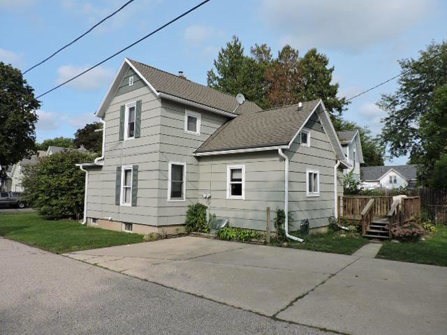 605 Barrie St, Fort Atkinson, WI 53538 - #: 371298