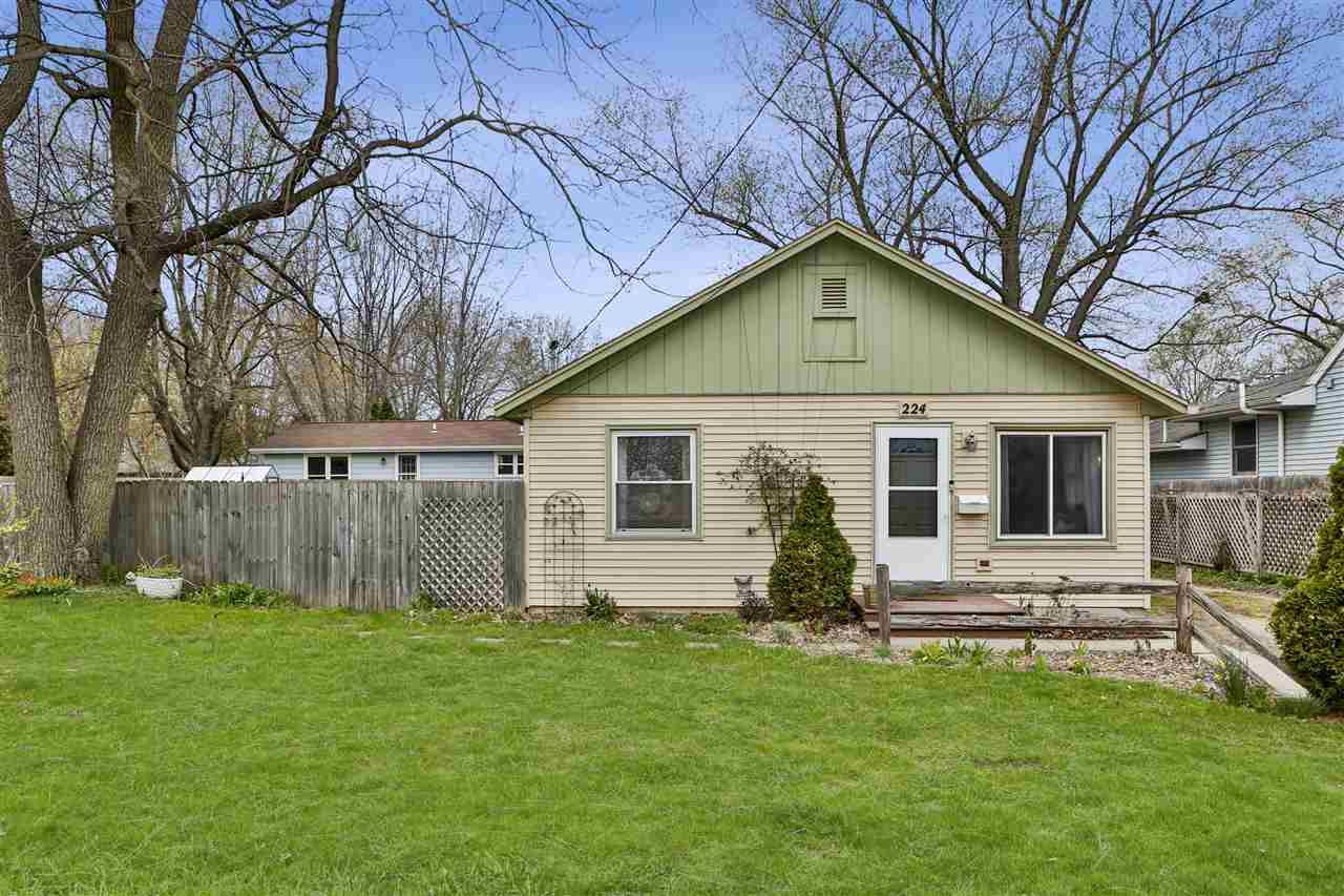 224 Powers Ave, Madison, WI 53714 - #: 1905299