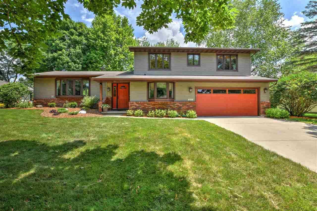 5537 Comanche Way, Madison, WI 53704 - #: 1888301