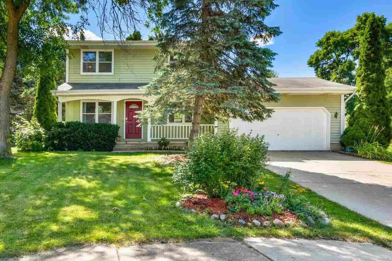 Photo for 3205 Highland Ct, Middleton, WI 53562 (MLS # 1916309)