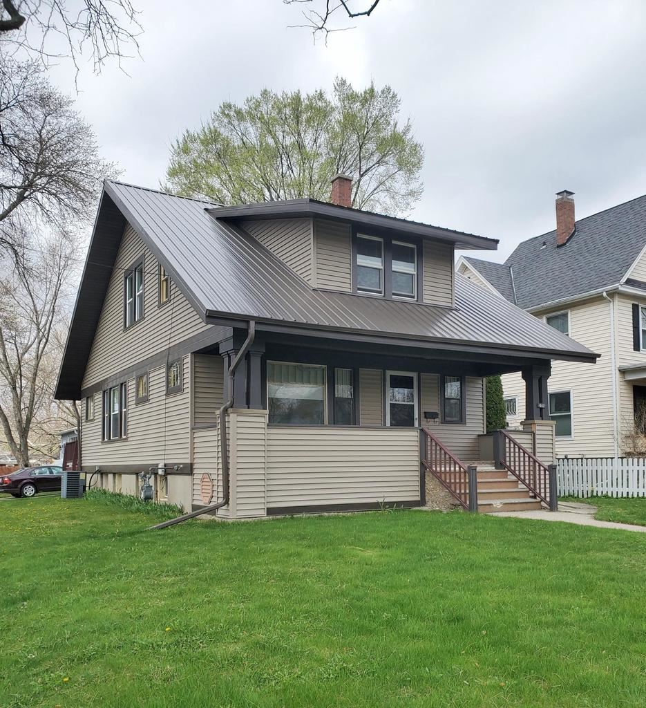 642 S Main St, Fort Atkinson, WI 53538 - #: 374311