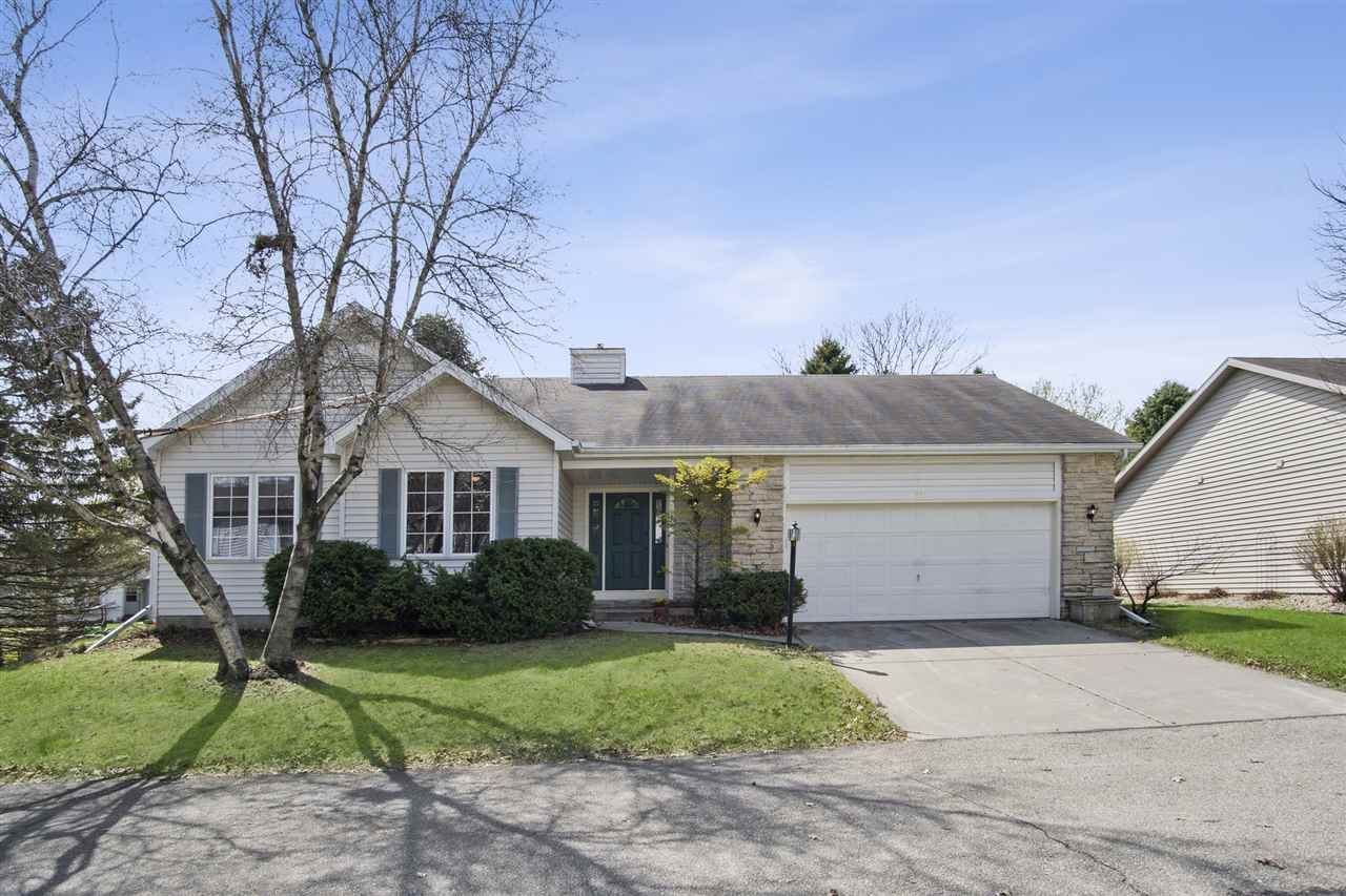 726 Sky Ridge Dr, Madison, WI 53719 - #: 1906312
