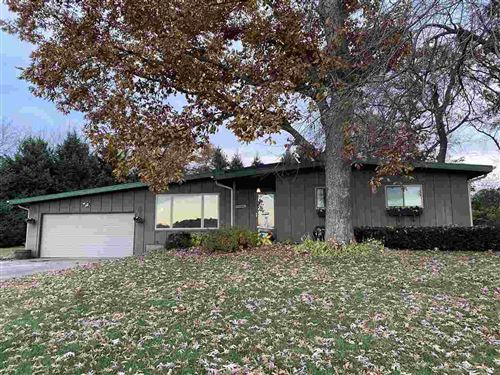 Photo of 3115 Siggelkow Rd, McFarland, WI 53558 (MLS # 1896313)