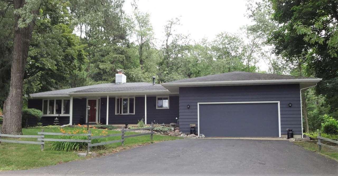 N2848 Lake Point Dr, Lodi, WI 53555 - #: 1913313