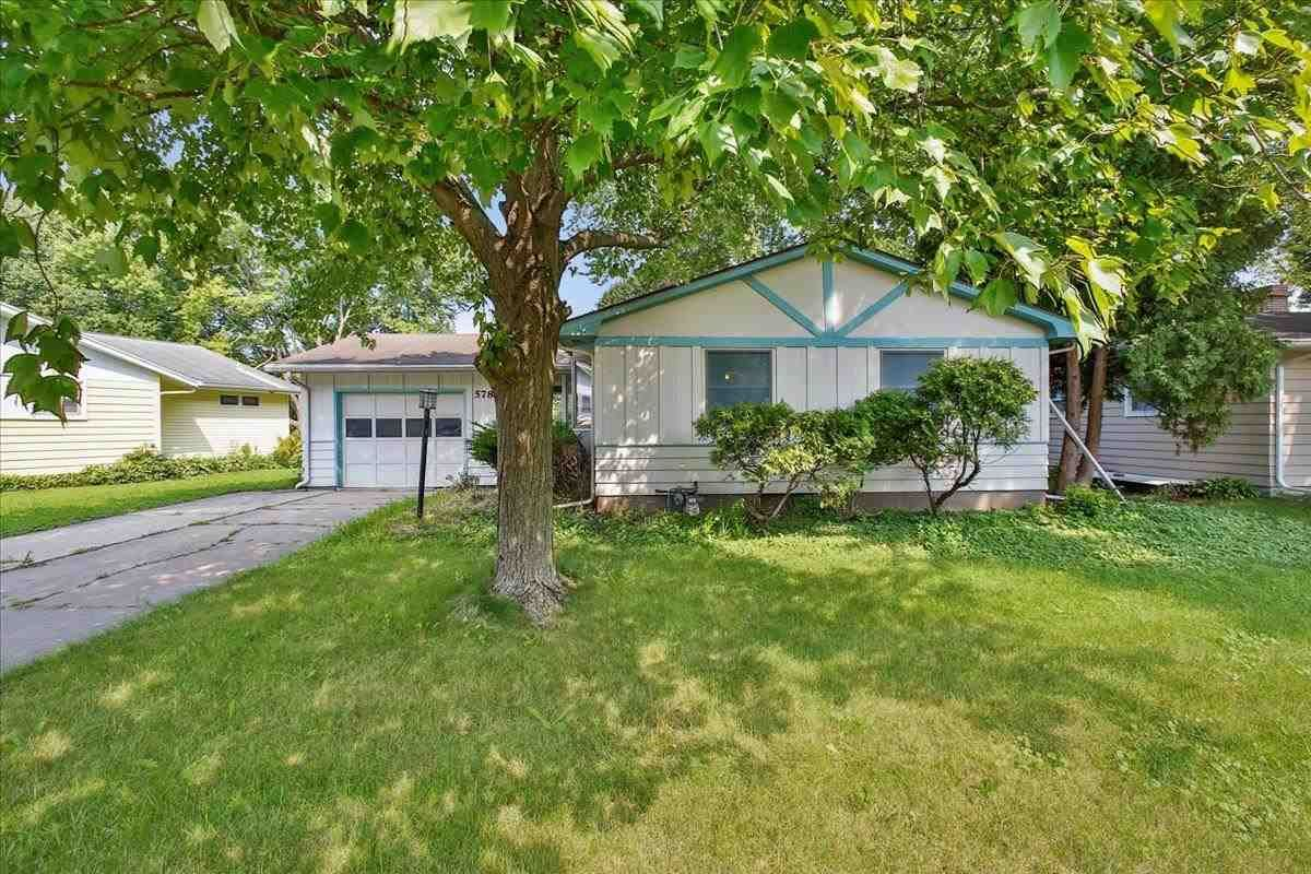 Photo for 578 S Segoe Rd, Madison, WI 53711 (MLS # 1915315)