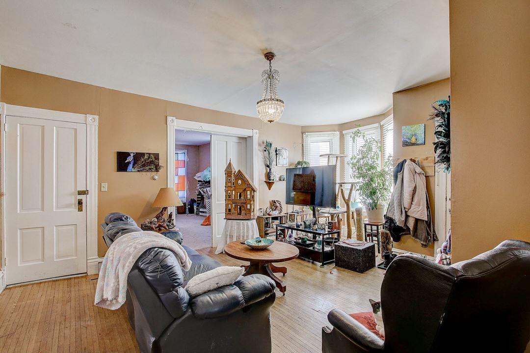 208 W Pleasant St, Portage, WI 53901 - #: 1875316