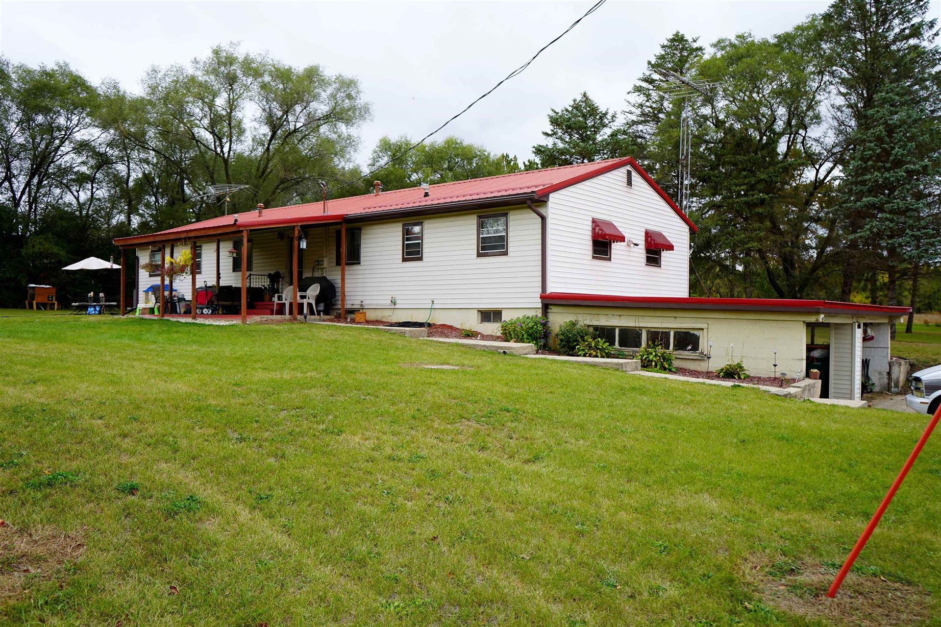 4230 S River Rd, Janesville, WI 53546 - #: 1921317