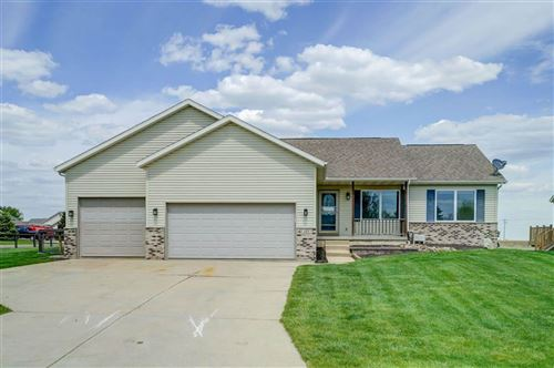 Photo of 151 Vega Dr, Arlington, WI 53911 (MLS # 1909320)