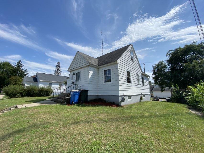 428 W Marion St, Portage, WI 53901 - #: 1892320