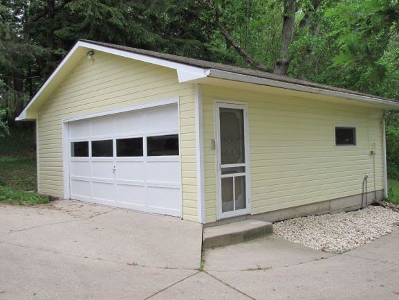 f_1910322_02 Real Estate in 53534 zip code