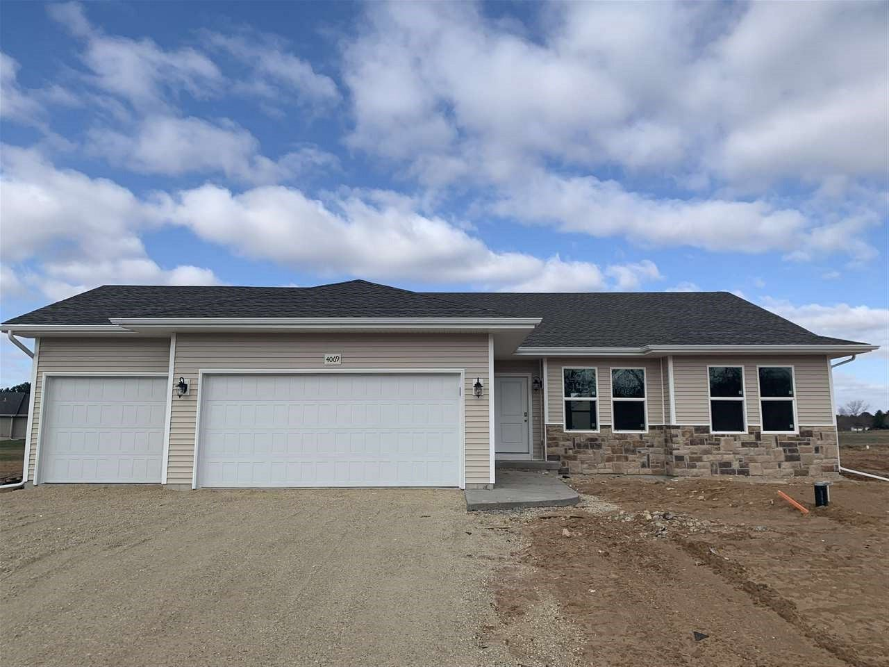 f_1905325 Our Listings at Best Realty of Edgerton