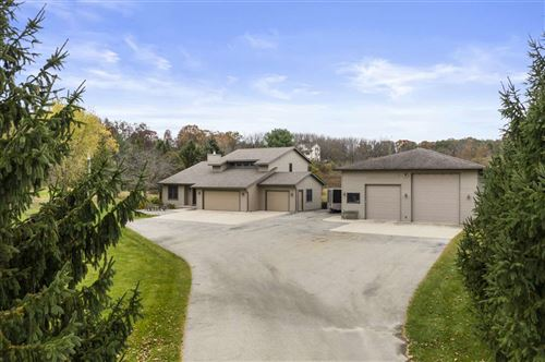 Photo of 6693 Sunset Dr, Verona, WI 53593 (MLS # 1896326)