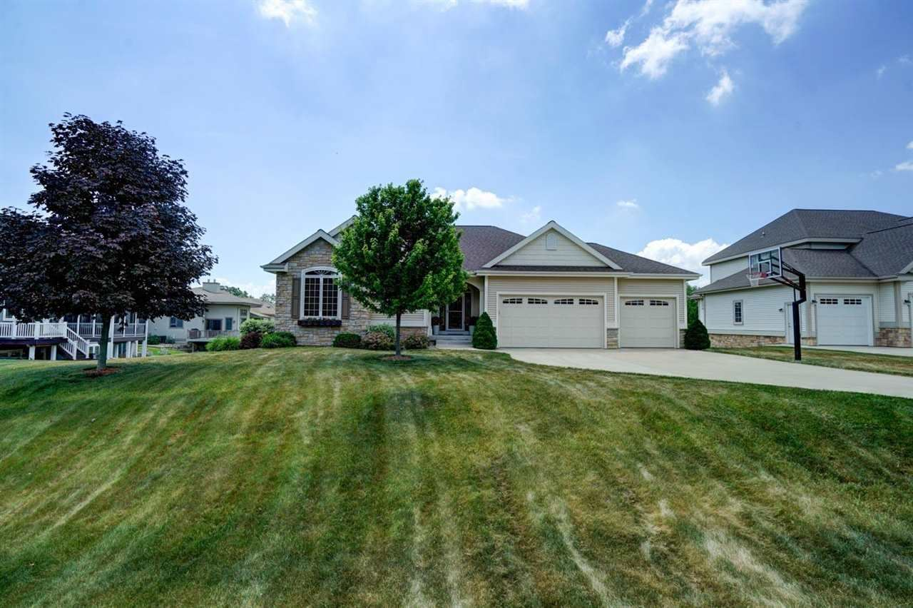 2106 Peaceful Valley Pky, Waunakee, WI 53597 - #: 1912326