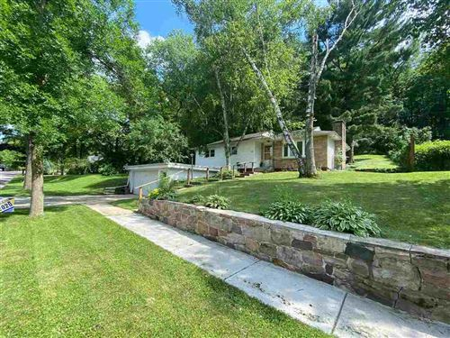 Photo of 1150 2nd St, Baraboo, WI 53913 (MLS # 1887327)