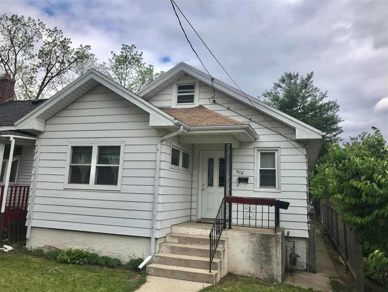 916 Drake St, Madison, WI 53715 - MLS#: 1909327