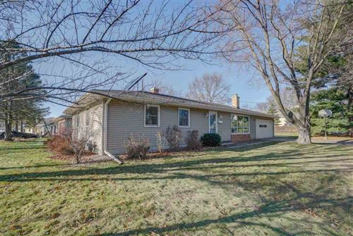 Photo of 1628 Mayflower Dr, Middleton, WI 53562 (MLS # 1873328)