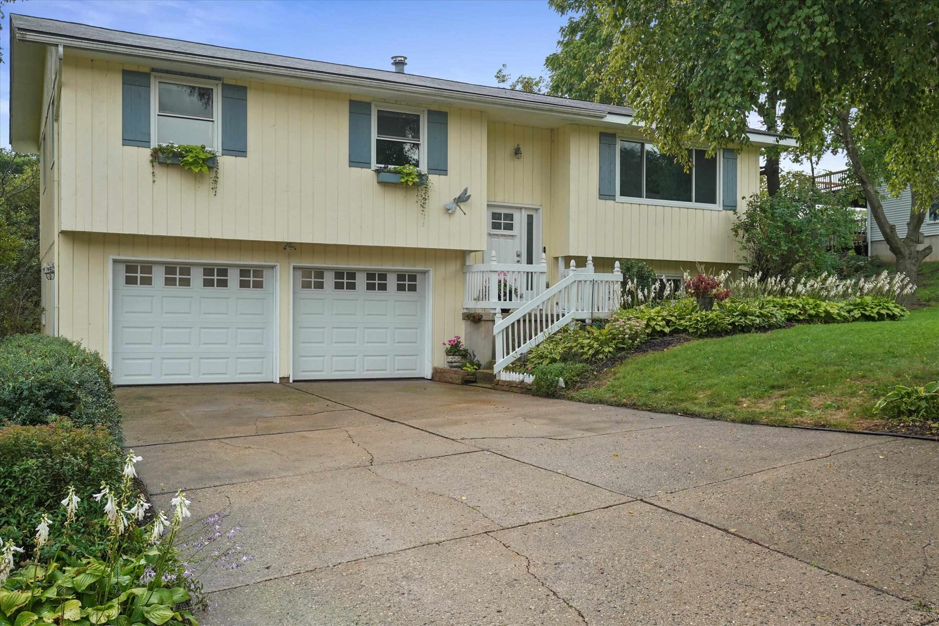 305 South Rd, Mount Horeb, WI 53572 - #: 1919328