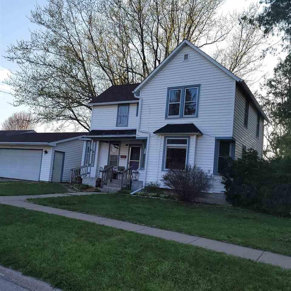452 N Polk St, Lancaster, WI 53813 - #: 1907329