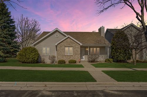 Photo of 302 Harbour Town Dr, Madison, WI 53717 (MLS # 1880336)