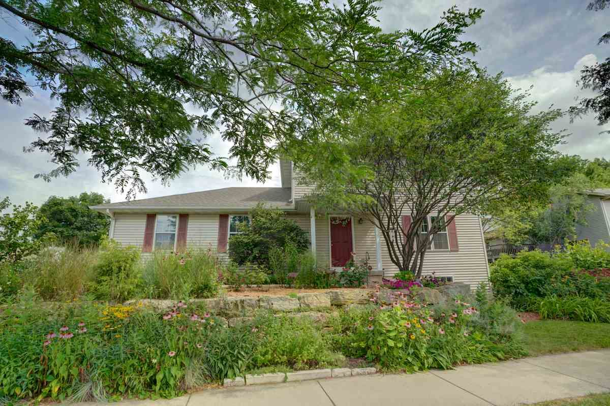 3833 Dolphin Dr, Madison, WI 53719 - #: 1890341