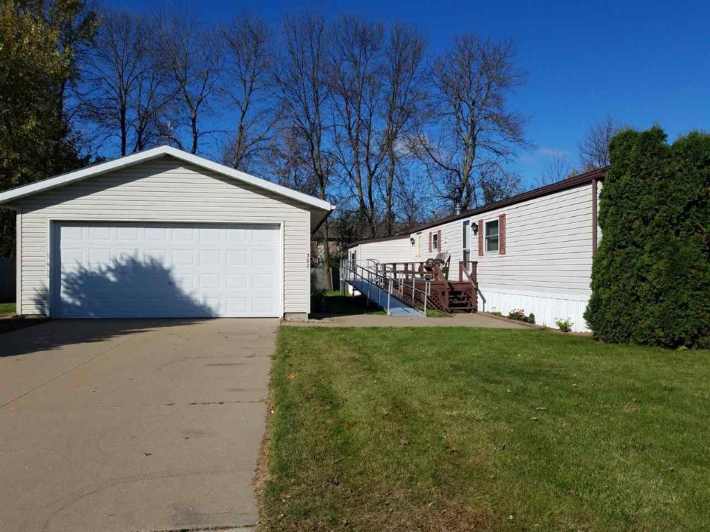 302 Green Acres Ave, Tomah, WI 54660 - #: 1871342